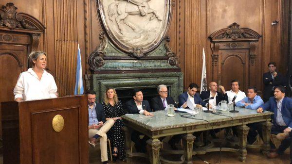 Audiencia pública de la candidata Bernarda Fait